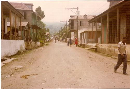 Petit-Goâve-  rue Dessalines.jpg